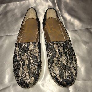 Enzo Angiolini lace flats
